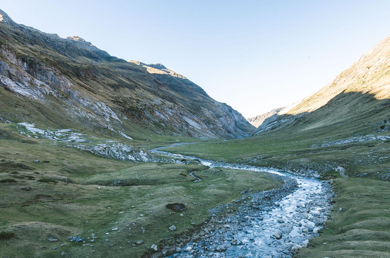 rivière dans les pyrénées