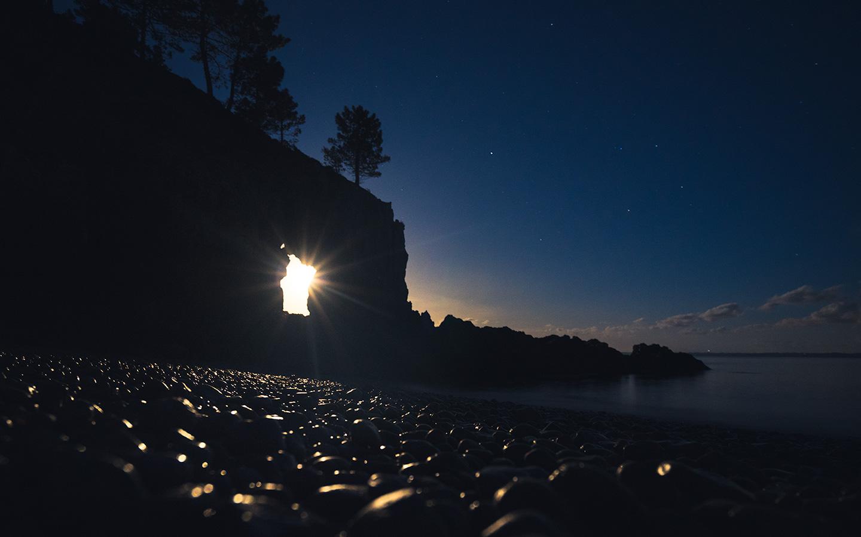 île vierge en bretagne de nuit
